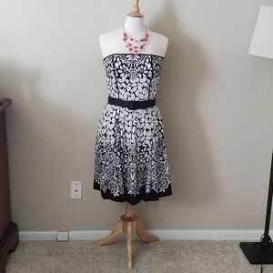 Strapless b/w floral summer cocktail dress WHBM